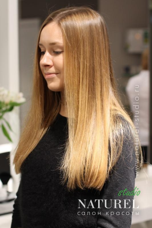 Фото осветленных длинных волос с прической